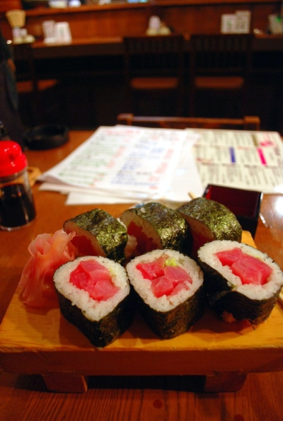 Il grande sushi di tonno di Ikawamaru