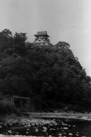 Inuyama_CastleKeep_Tower_in_1937